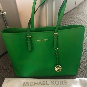 Green Michael Kors Jet Set Large Tote Bag